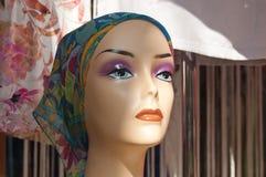 Antlitz des Mannequins mit Schal Stockbilder