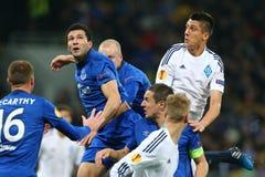 Antolin Alcaraz und Yevhen Khacheridi, das in der Luft, UEFA-Europa-Liga-Runde des zweiten Matches des Beines 16 zwischen Dynamo  Stockbild
