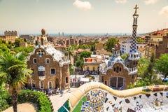 1900 1914年antoni ・被修建的巴塞罗那设计了著名gaudi guell公园西班牙对几年 免版税库存图片