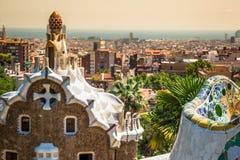 1900 1914年antoni ・被修建的巴塞罗那设计了著名gaudi guell公园西班牙对几年 免版税库存照片