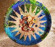 Antoni Gaudi陶瓷马赛克设计Guell公园巴塞罗那Cataloni 免版税库存照片