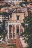 Antoninus和Faustina寺庙在罗马广场 免版税库存照片