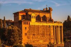 Antoninus och Faustina Temple arkivfoton