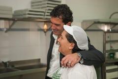 Antonio Banderas y Melanie Griffith durante una visita de la caridad Foto de archivo libre de regalías