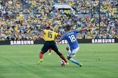 Antonio Walencja 16 i Renato Augusto 18 walczy dla piłki Zdjęcia Stock
