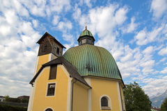 Antonius Kirche Church em St Johann em Tirol, no Kitzbuhel Imagem de Stock