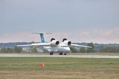 Antonov ένας-74 αεροπλάνο μεταφοράς εμπορευμάτων Στοκ Φωτογραφίες