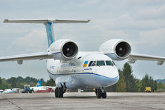 Antonov ένας-74 αεροπλάνο μεταφοράς εμπορευμάτων Στοκ εικόνες με δικαίωμα ελεύθερης χρήσης