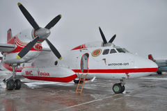 Antonov ένας-32 αεροπλάνο πυροσβεστών Στοκ Εικόνες