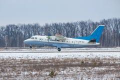 Antonov ένας-140 περιφερειακό αεροπλάνο Στοκ Φωτογραφία