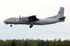 Antonov An-30 del aterrizaje de la fuerza aérea de Romaninan en la base de las fuerzas aéreas de Kubinka imagenes de archivo