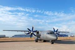 Antonov een-140 Stock Foto's