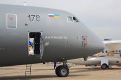 Antonov een-70 cockpit bij de Lucht van Parijs toont Royalty-vrije Stock Foto's