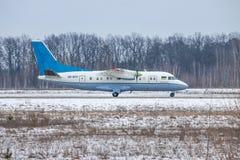 Antonov een-140 regionaal vliegtuig Stock Fotografie