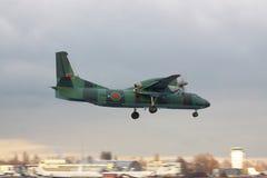 Antonov een-32 vliegtuig Royalty-vrije Stock Foto's