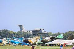 Antonov An-72 strålflygplan arkivbild