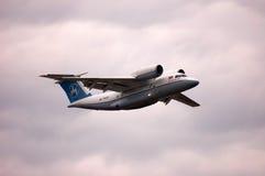Antonov An-74T UR-74010 (den Antonov designbyrån) Arkivbilder