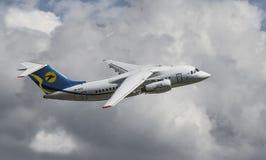 Antonov 148-100 in vlieg royalty-vrije stock fotografie