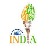 Antorcha del fuego con la llama del tricolo de la India Imagenes de archivo