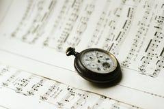antque ρολόι φύλλων τσεπών μουσικής Στοκ Φωτογραφίες