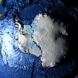 Antractic sur terre avec les montagnes exagérées Photos libres de droits