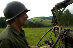 Antreiben des Jeeps Lizenzfreie Stockfotos