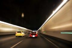 Antreiben durch den Tunnel Lizenzfreies Stockbild