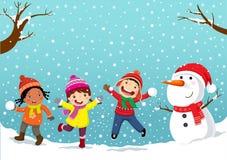 Antreiben in einen Schlitten Glückliche Kinder, die im Schnee spielen vektor abbildung
