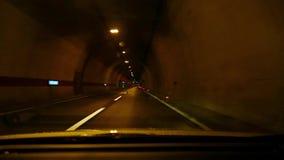 Antreiben in einen Tunnel stock video footage