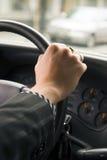 Antreiben eines Autos Lizenzfreie Stockfotos