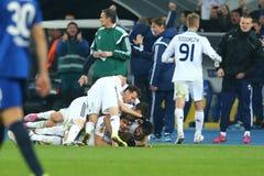 Antunes viert genoteerd doel met zijn teampartners, de Ligaronde van UEFA Europa van 16 tweede beengelijke tussen Dynamo en Evert Stock Afbeelding