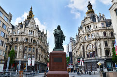 Antwerp Belgia, Maj, - 10, 2015: Statua Flamandzki malarz David Teniers w Antwerp Fotografia Royalty Free