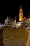 antwerp brabo kościelny grote Lieve markt noc onze Zdjęcie Stock