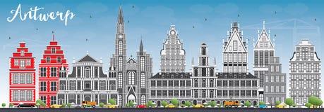 Antwerp linia horyzontu z Szarymi budynkami i niebieskim niebem Fotografia Royalty Free