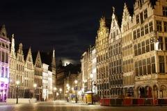 Antwerp på natten Arkivfoto
