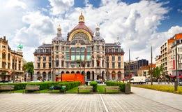 Antwerp strömförsörjningsjärnvägsstation. Arkivbilder