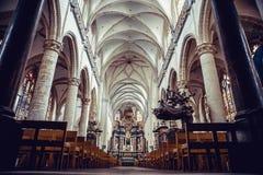 ANTWERPEN, BELGIË - 24 het Binnenland van Februari 2012 van de `-Kerk van Onze Dame ` in Antwerpen, België Stock Foto
