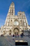 Antwerpen, België - Mei 10, 2015: De Kathedraal van het toeristenbezoek van Onze Dame in Antwerpen, België Royalty-vrije Stock Afbeelding