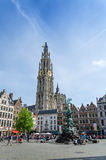 Antwerpen, België - Mei 10, 2015: Toeristenbezoek Grand Place in Antwerpen, België Royalty-vrije Stock Foto's