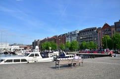 Antwerpen, Belgien - 10. Mai 2015: Yachten festgemacht in Willem Dock in Antwerpen Stockfotos