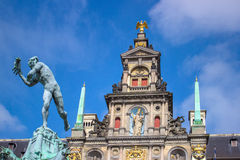 Antwerpen city hall. Wiith Statue Stock Photography