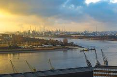 Antwerpen-Hafen bei Sonnenuntergang, Belgien lizenzfreie stockfotografie
