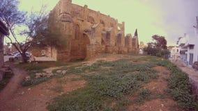 Antyczna świątynia wśrodku fortecy Famagusta patrzeje fantastyczną zdjęcie wideo