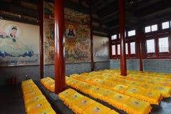 Antyczna świątynia z modlitewnym siedzeniem Obraz Royalty Free