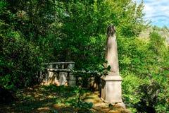 Antyczna altana przy sławnym Parco dei Mostri, także dzwonił Sacro Bosco lub Giardini Di Bomarzo Potwora park Lazio zdjęcie stock