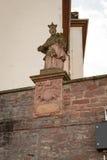 Antyczna antykwarska postać przy kościół Obrazy Royalty Free