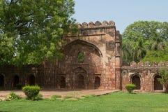 Antyczna brama i ściana grobowiec sułtan Sikandar delikatesy fotografia stock
