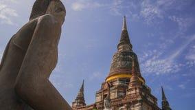 Antyczna Buddha statua, pagoda i Zdjęcie Stock