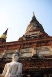 Antyczna Buddha statua przy Watem Yai Chaimongkol Obrazy Stock