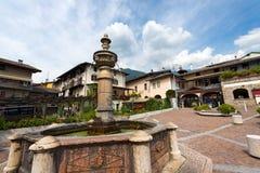Antyczna fontanna - Levico Terme Włochy Zdjęcia Royalty Free